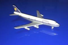 Lufthansa (-100)
