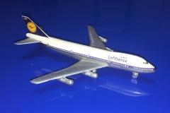 Lufthansa (-200)