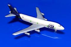 Boeimg 747-2B3B UTA