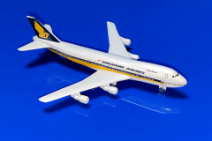 Boeing 747-212B Singapore Airlines