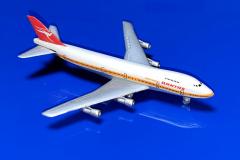 Boeing 747-238B Qantas