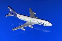 Boeing 747-3B3M UTA